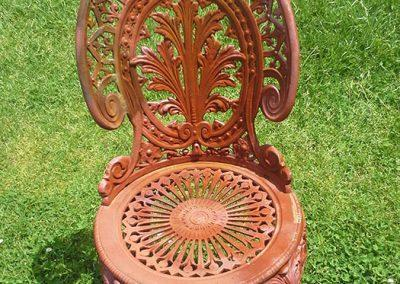 CAST-IRON-OUTDOOR-SETTING-REPAINT-BEFORE