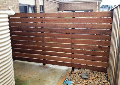 GLEN-WAVERLEY-TOWNHOUSE-MERBAU-SCREEN-FENCING-AFTER-1
