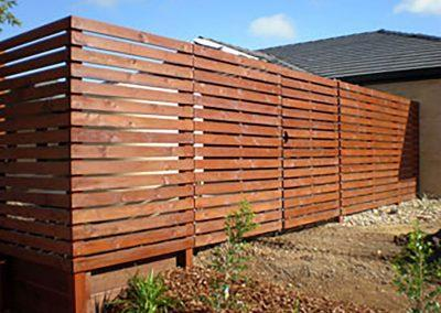 GLEN-WAVERLEY-TOWNHOUSE-MERBAU-SCREEN-FENCING-AFTER-2